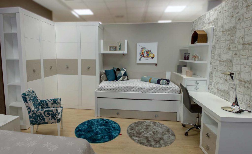 Cómo elegir escritorio para dormitorio juvenil. Consejos útiles para escoger escritorio para nuestros hijos en Alcon Mobiliario.