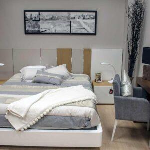 Dormitorio de matrimonio en madera de roble y lacado blanco