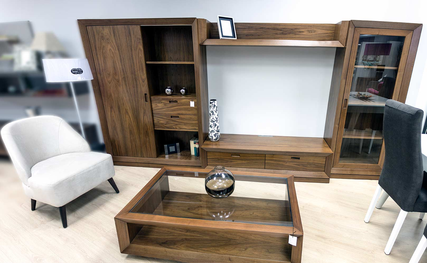 Salon en madera de nogal tienda de muebles en vitoria - Muebles en vitoria gasteiz ...