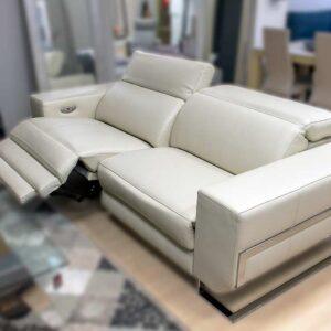Sofá blanco 2 plazas