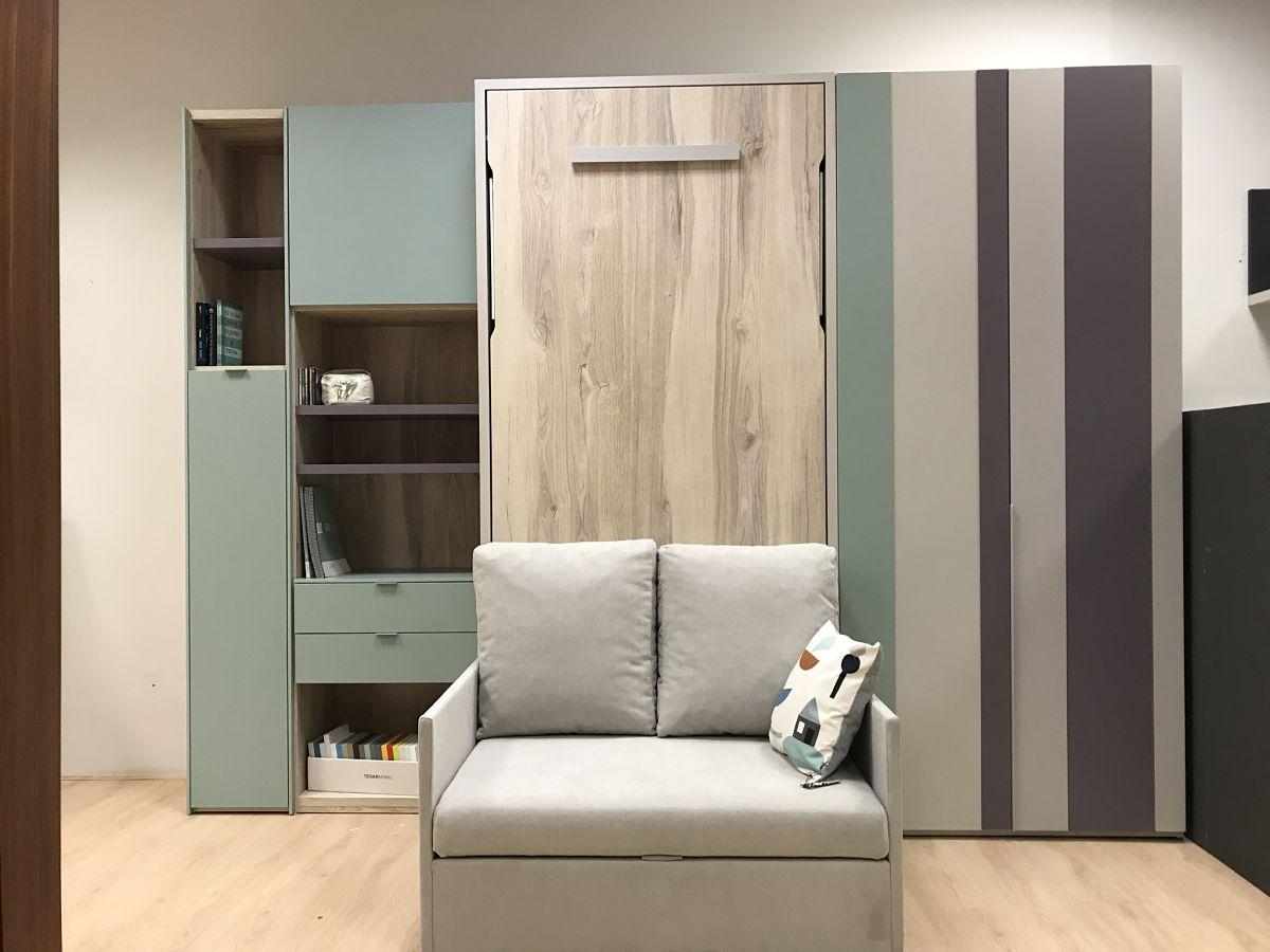 Dormitorio juvenil con cama abatible vertical y sof for Sofa cama para habitacion juvenil