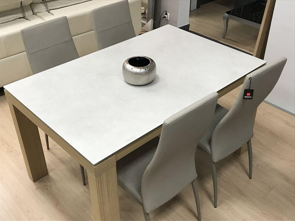 Mesa de comedor con 4 sillas en polipiel tienda de muebles en vitoria gasteiz lava alcon - Muebles en vitoria gasteiz ...