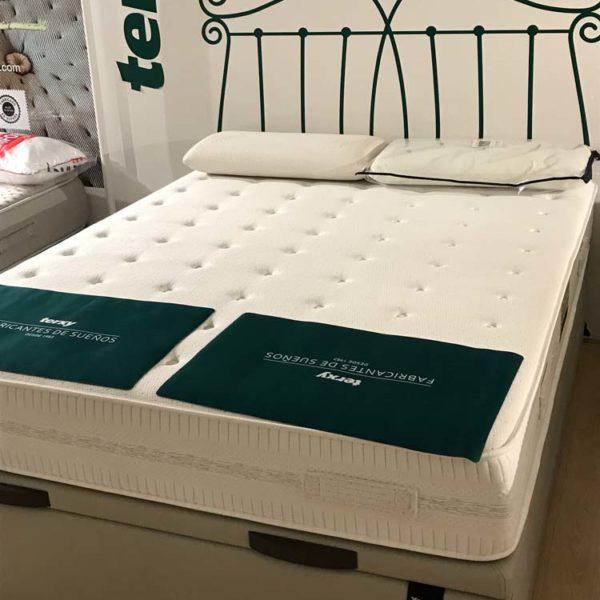 Colchón de cama matrimonio y canapé Terxy en Vitoria Gasteiz