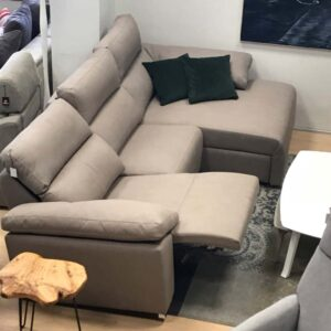 Sofa chaise longue reclinable de color gris en Vitoria-Gasteiz