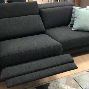 Sofá negro reclinable en Vitoria-Gasteiz
