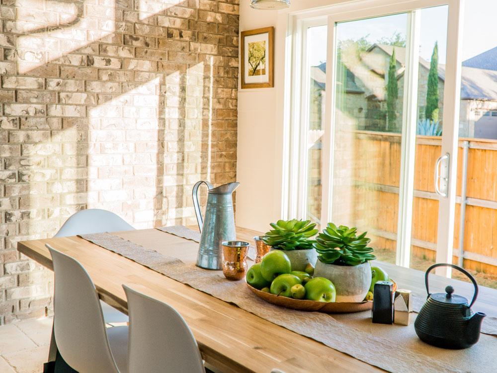 Elegir un jarrón: Decoración para este verano. Consejos, ideas y tendencias para decoración del hogar en verano en Alcon Mobiliario.