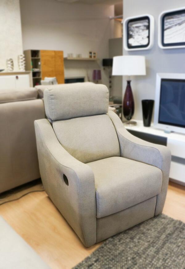 Butaca beige reclinable. Sillones y butacas en Vitoria-Gasteiz. Alcon Mobiliario.