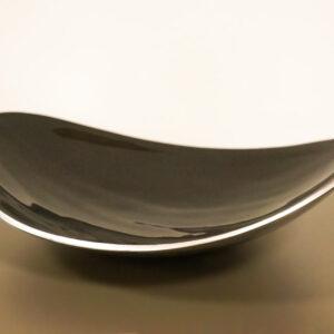 Centro de mesa de cerámica acabado en color negro. Centros de mesa en Alcon Mobiliario